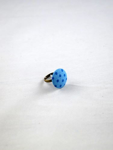 blue_dotted_ring